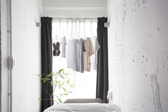 物干しロープで毎日が変わる!ストックランドリーでシンプルすっきり室内干し。