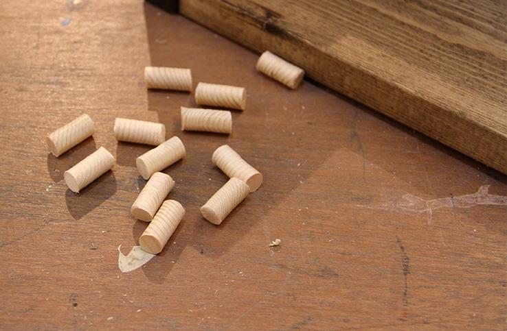 木工仕上げにもう一手間。ダボ埋めの方法・作り方