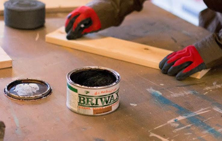 アンティーク塗装におすすめ!ブライワックスの塗り方を解説。