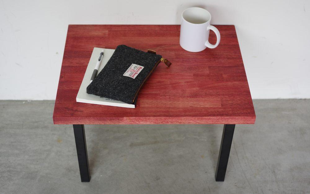 サイドテーブルをDIY! オイル染めの集成材とアイアン脚で作ってみた