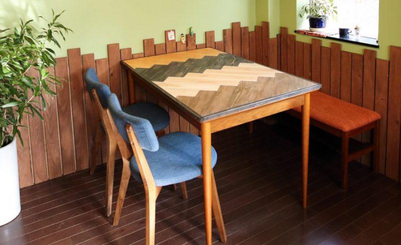 おしゃれなヘリンボーン天板に生まれ変わるDIYレシピ!テーブルリメイク術も紹介。