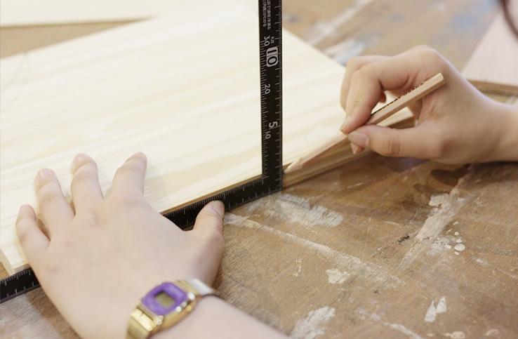 さしがねを使った墨付けの方法!木工DIYの必須テクニックを紹介。