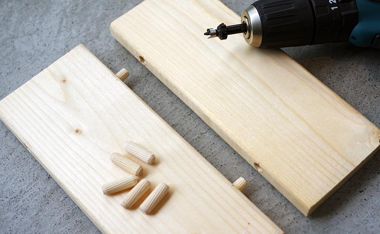 天板や棚板をDIY!ダボ継ぎでワンバイ材をつなげる方法を解説
