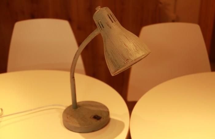 アンティークな照明をリメイクDIY!ベッドサイドをいい感じの雰囲気にしよう