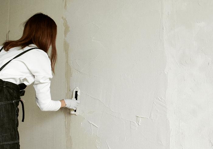 【レビュー】初心者でも簡単な漆喰と珪藻土を塗ってみた!
