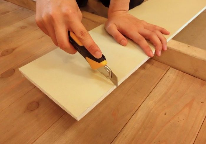 石膏ボードとは?基本的な特徴とDIYするときの切断方法
